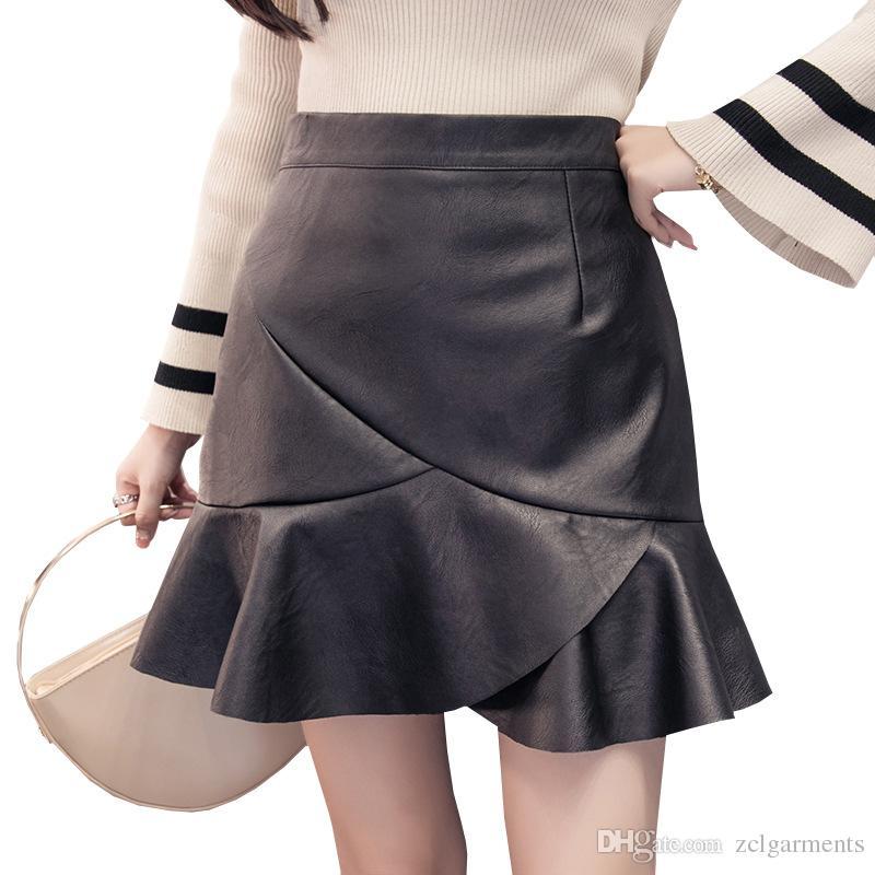 f8c8d58a2f4a Mujeres calientes Sexy falda corta de cuero de la PU Mujeres A-line  trompeta sirena falda Nueva moda primavera y otoño delgadas faldas lápiz  negro