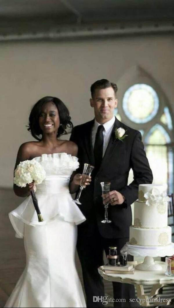 간단한 화이트 웨딩 드레스 2018 섹시한 Strapless 인어의 신부 드레스 새틴 주름이 Peplum의 배후 남아 프리카 공화국 저렴한 결혼식 Vestidos