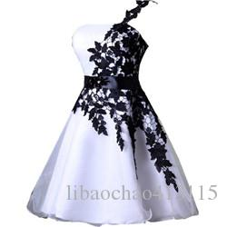 2018 Cheap Short Homecoming Dresses White and Black One Shoulder Lace Belt Beaded Tulle Gowns for Prom Cocktail 8th College Graduation Dress