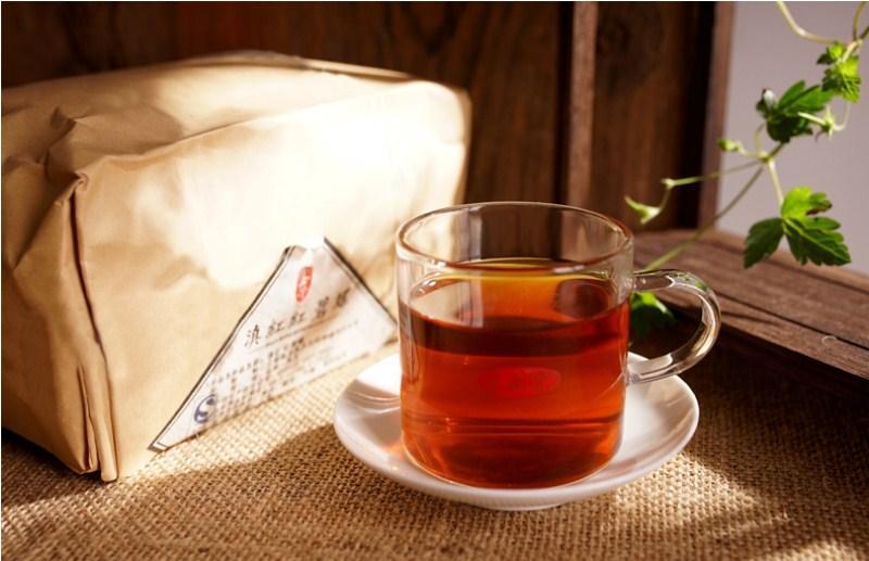 500г Спелая Пуэр чай Юньнань Fengqing Dianhong Пуэр Чай Органические Pu'er старое дерево Приготовленный пуэр Natural Black Пуэр Чайная фабрика прямых продаж