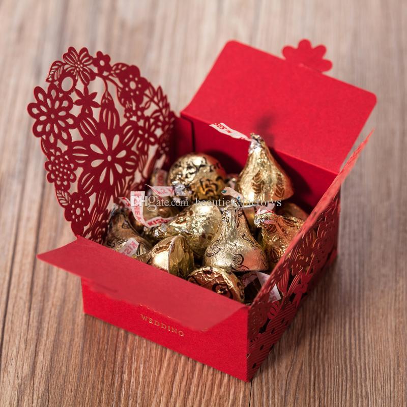 Rote hohle Hochzeitsbevorzugungskästen Süßigkeit-Geschenk-Kasten-Partei-Bevorzugung-Schokolade kann Hochzeitsfest-Dekoration