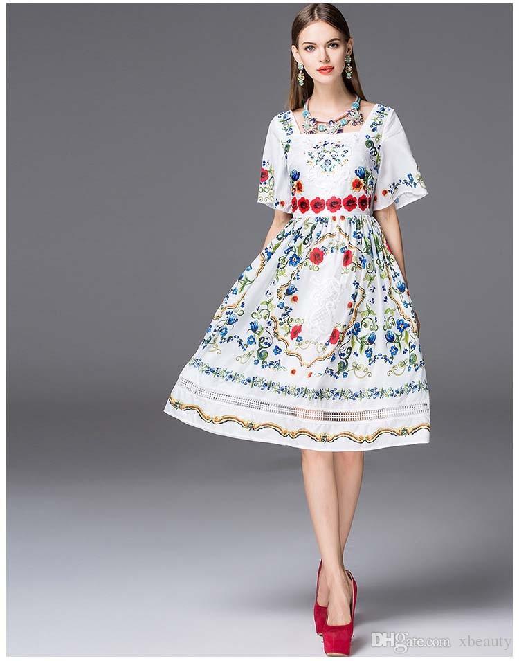 Alta calidad de la nueva llegada de 2018 escote cuadrado de las mujeres de manga corta bordado impreso elegante elegante vestidos de la pista en es