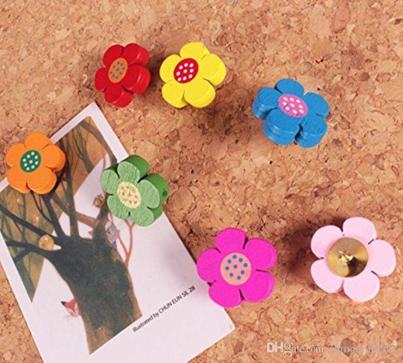 لطيف 3D الزهور الخشبية دفع دبابيس ل corkboard / الإبهام الإبهام مجموعة من 100 قطع شحن مجاني