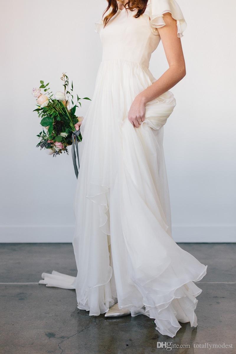 Flowy Chiffon Modest Vestidos de Casamento 2019 Praia Mangas Curtas Frisado Cinto Templo de Vestidos De Noiva Queen Anne Pescoço Vestido de Recepção Informal