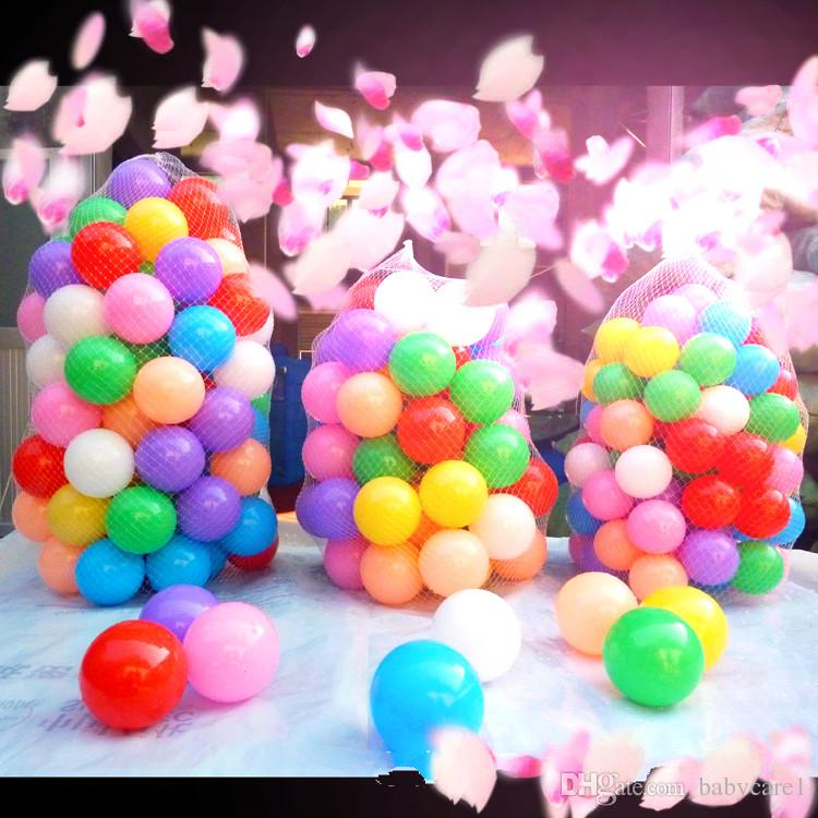La borsa a rete oceanica bambini giocattolo di bobo bag colorate l'ambiente del parco giochi