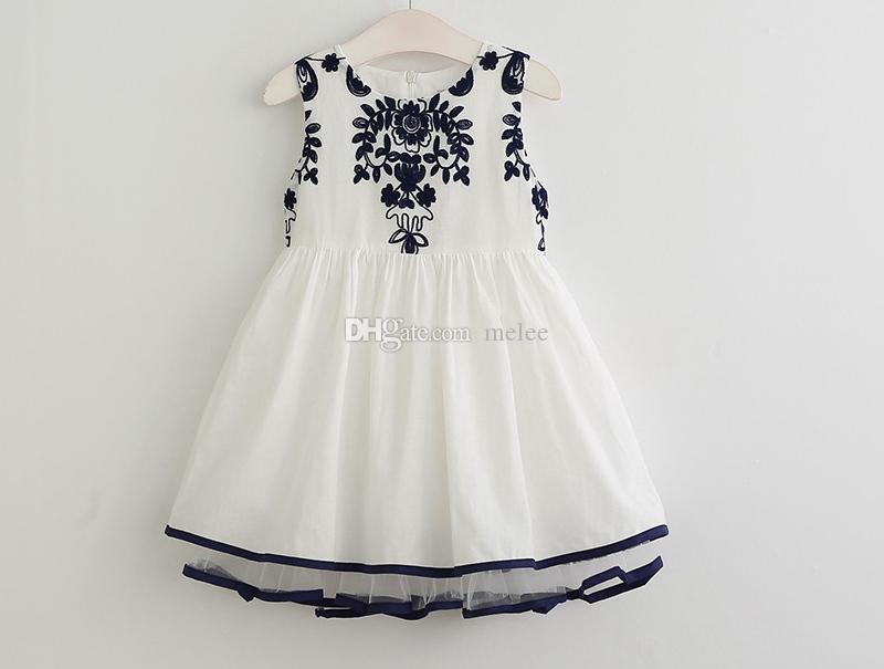 2017 Cute Baby Girls Embroidery Flower Ruffles Tutu Dresses Girls Sundress Boat Neck Flower Blue And Red Color cotton party Dress free fedex