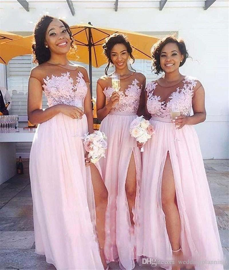 핑크 플러스 사이즈 컨트리 들러리 드레스 착각 긴 쉬폰 빈티지 레이스 캡 슬리브 분할 웨이드 명예 가운