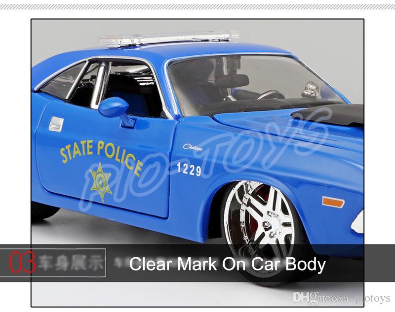 Nuovo regalo di arrivo 1970 1/24 modello in lega di auto diecast decorazione della casa giocattoli auto scala veicolo simulazione collezione metallo presente