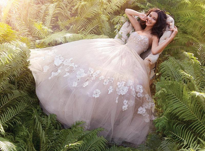 Designer 3d Flower Applique Wedding Dresses Layered Tulle Wedding ...