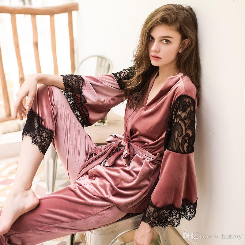 Europe And the United States Gold Velvet Pajamas Three Sets Of ... 925eed0ff