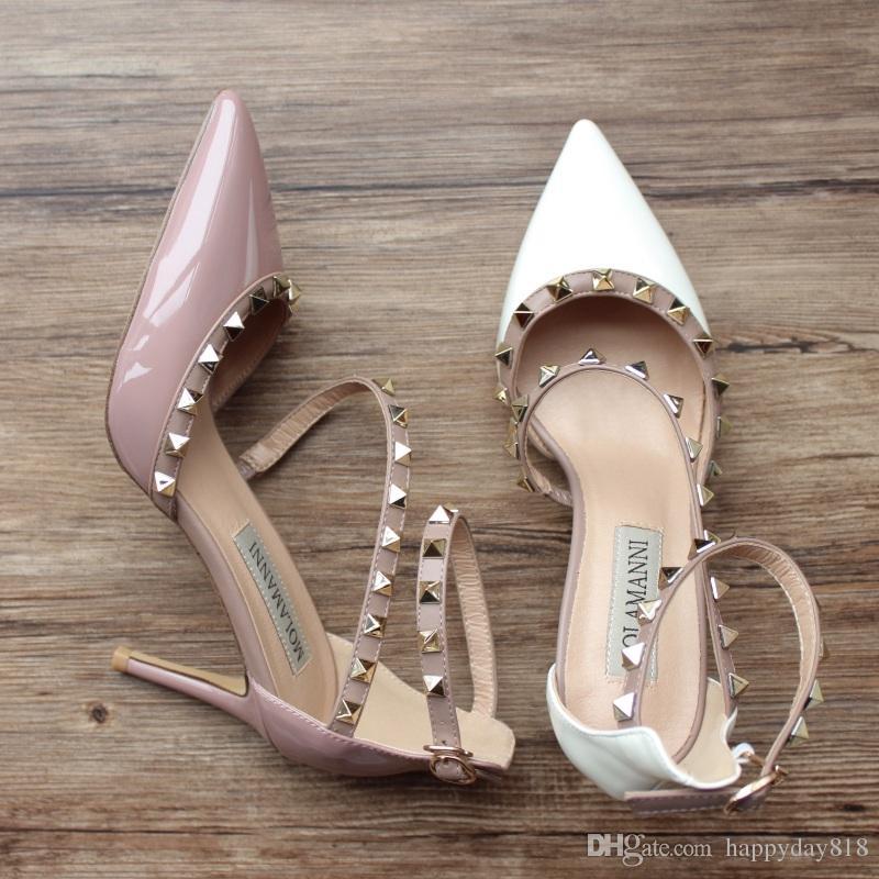 Livraison gratuite pompes à talons hauts en cuir verni blanc rivets talons hauts chaussures à bout pointu chaussures bottes sandales