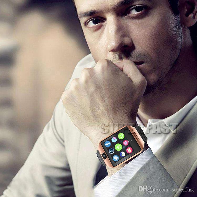 Q18 Reloj Smart Watch Bluetooth Relojes inteligentes para teléfonos celulares Android Soporte para tarjeta SIM Cámara Responde llamada y configura varios idiomas con caja