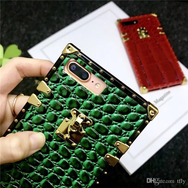 Luxury Christmas Paris Fashion Show Cell Phone Case For Iphone X 8 7 6 6S plus Cases TPU offical Leather Hard Case Back Cover HOT