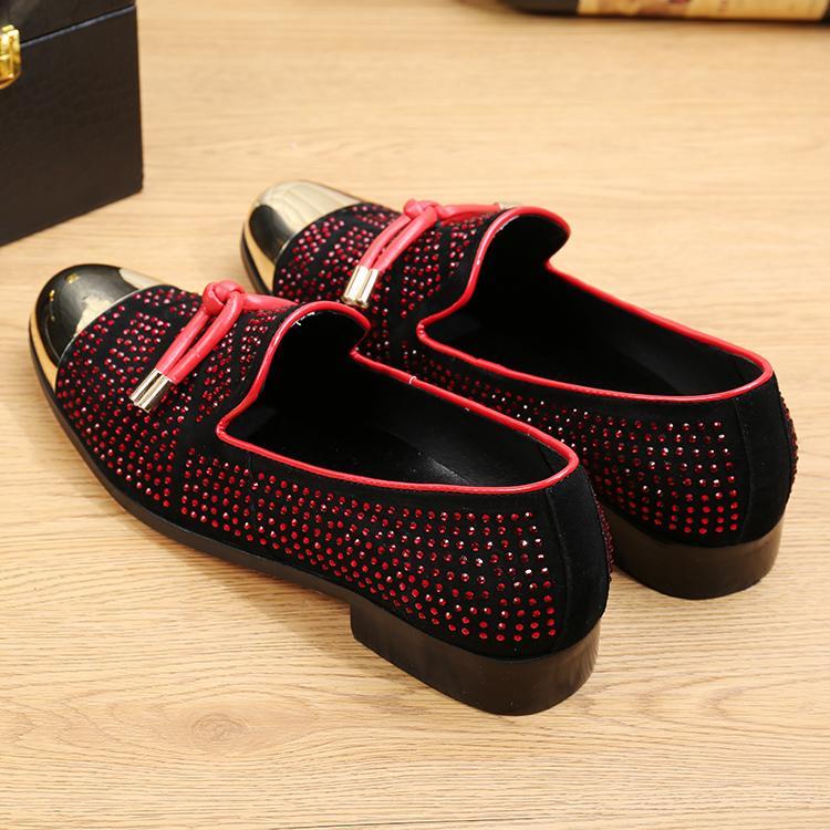 Heißer Verkauf Casual Formale Schuhe Für Männer Schwarz Echtes Leder Quaste Männer Hochzeit Schuhe Gold Metallic Herren Beschlagene Müßiggänger 3 Farben