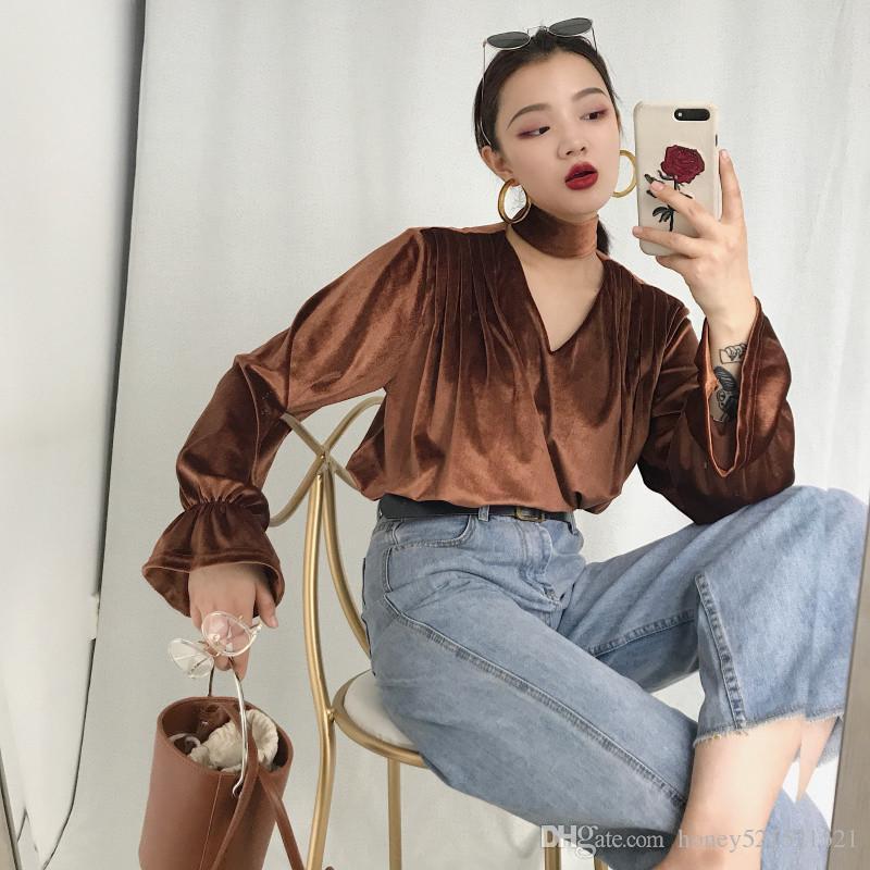 Outono nova moda das mulheres retro halter pescoço com decote em v oco out flare manga de veludo camisa solta tops rosa Preto Marrom 3 cores