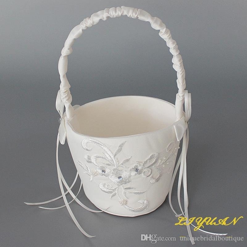 2019 nouveaux paniers de fille de fleur pour les mariages beaux ensembles de paniers de fleurs en satin beige Beige avec appliques de dentelle 14.5cm * 22.5cm expédition rapide