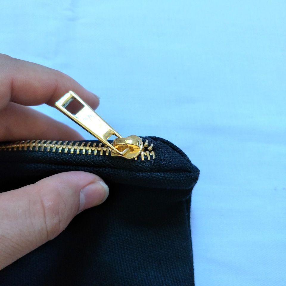 القطن الطبيعي / أسود قماش حقيبة مستحضرات التجميل مع الذهب ماء جلد أسفل مطابقة لون بطانة فارغة حقيبة ماكياج 7x10in في الأوراق المالية