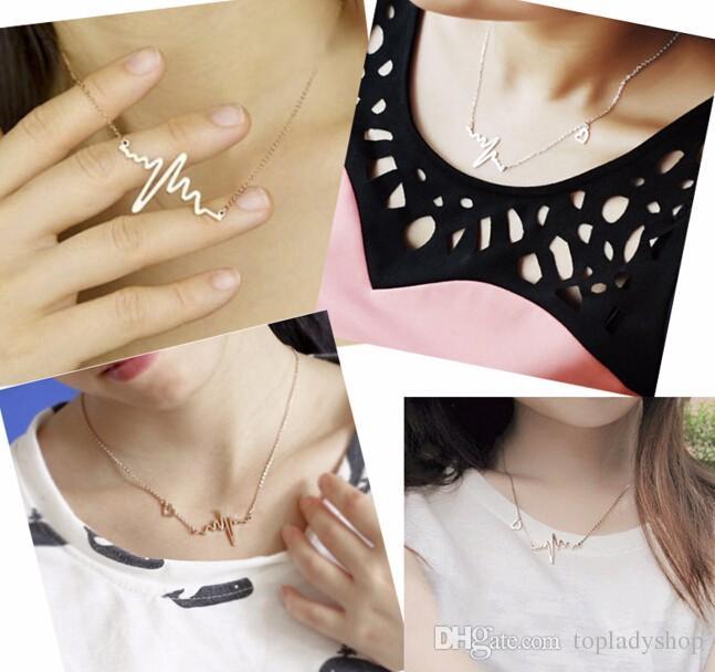 Le donne semplici della collana del maglione dei pendenti di tatto del cuore della collana della clavicola di frequenza del cuore di ECG delle note semplici di modo trasporto libero all'ingrosso delle donne