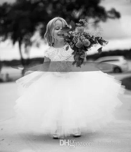 2017 neue ankunft weiße spitze und tüll blumenmädchen dress kurzarm schärpe lag tutu rock kinder formelle kleidung kleider nach maß