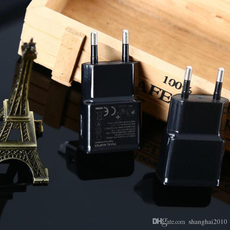 Caricatore da parete USB 5V AC Caricabatteria da viaggio casa US Spina EU telefono universale smartphone Android Colore nero bianco