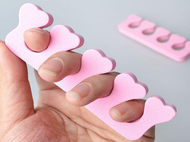 Vente chaude Éponge Manucure Pédicure Forme De Ongles Souple Spacer Nail Art Doigt Séparateur Séparateur Couleur Aléatoire