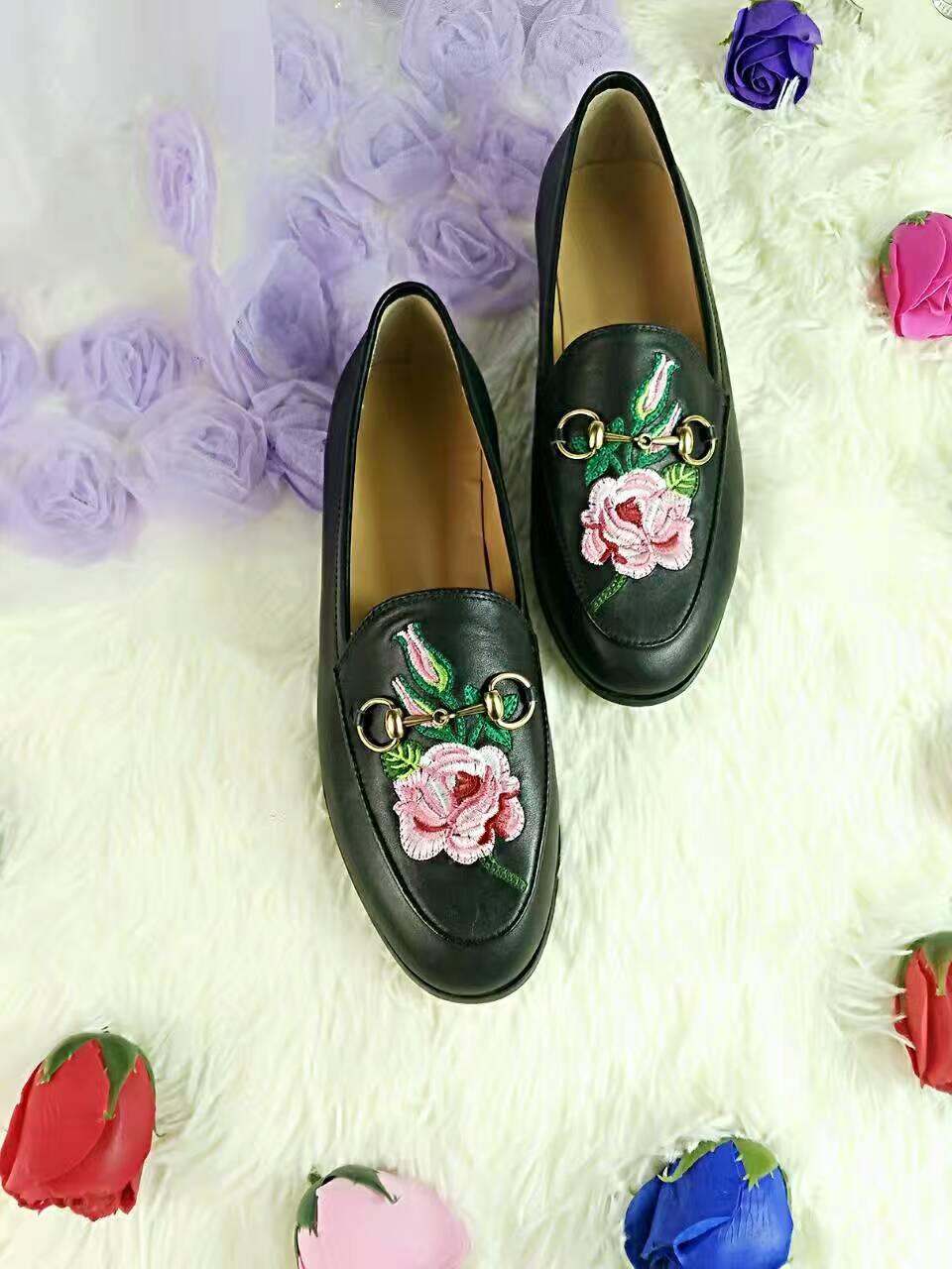 miglior versione! u721 40 i in vera pelle ricamo appartamenti scarpe mocassini fiore serpente cuore labbra nero bianco g 2017 elegante alla moda