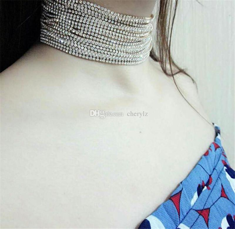 Collana girocollo in cristallo con strass Collana con girocollo in cristallo multistrato Collana girocollo in metallo con accessori moda Donna DC36