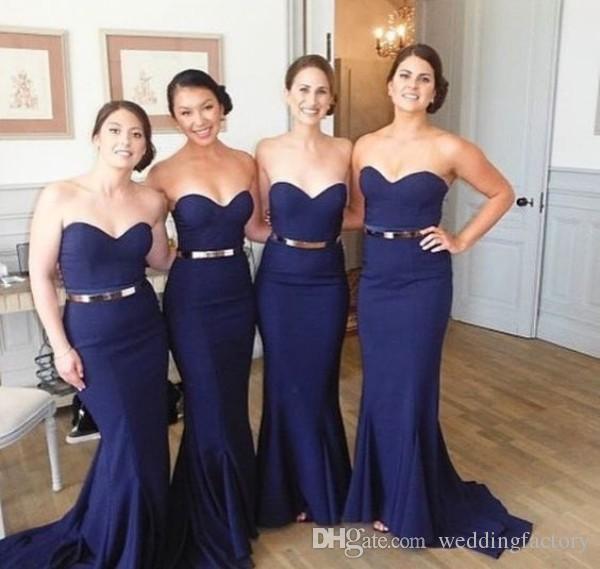 Elegant passande sjöjungfrun långa brudtärna klänningar blå älskling nacke ärmlös enkel bröllopsfest gäst klänning piga av hedra kappor