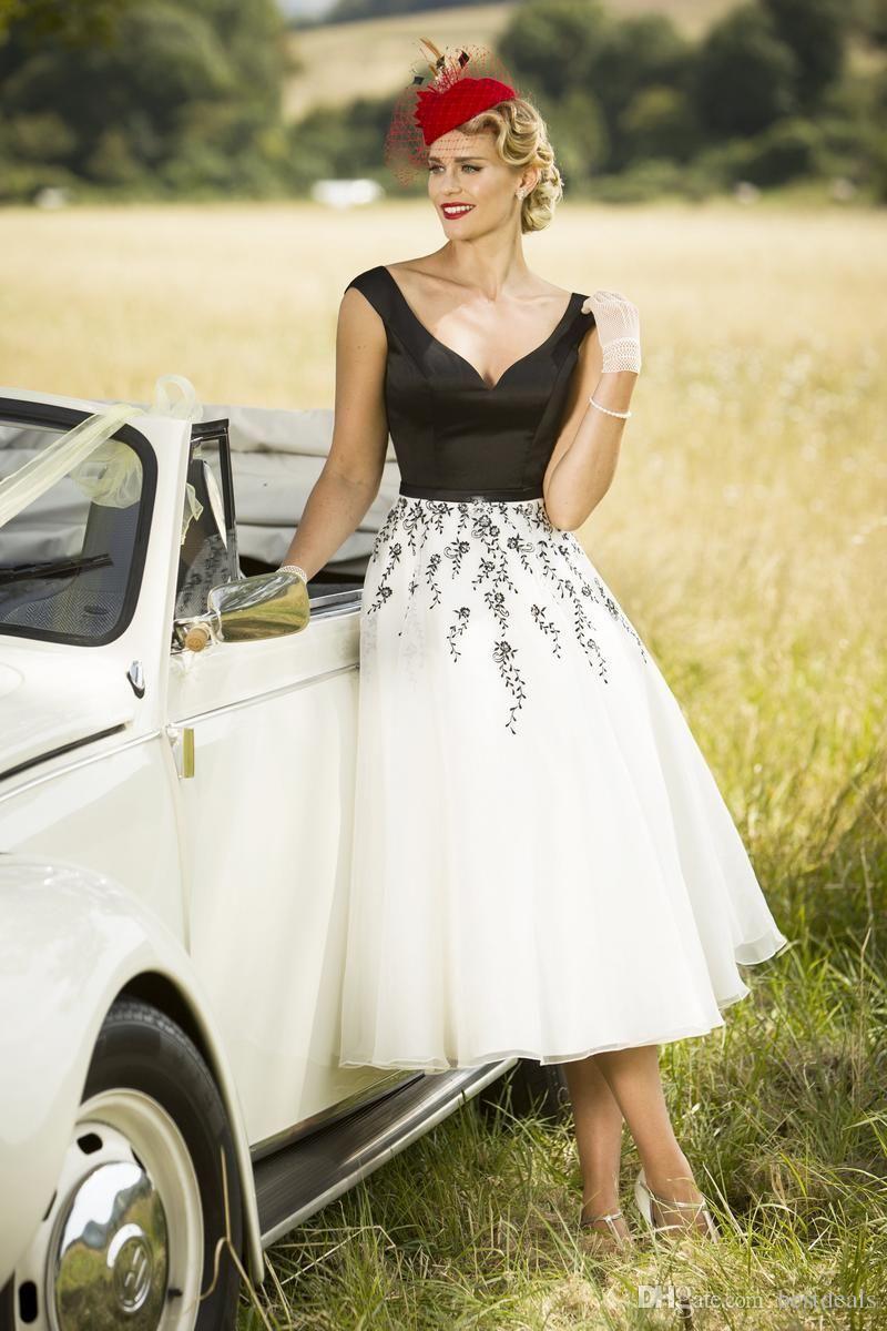 Vestiti Bianchi Eleganti.Aspetto Dettagliato Qualita Autentica Immagini Dettagliate Vestiti