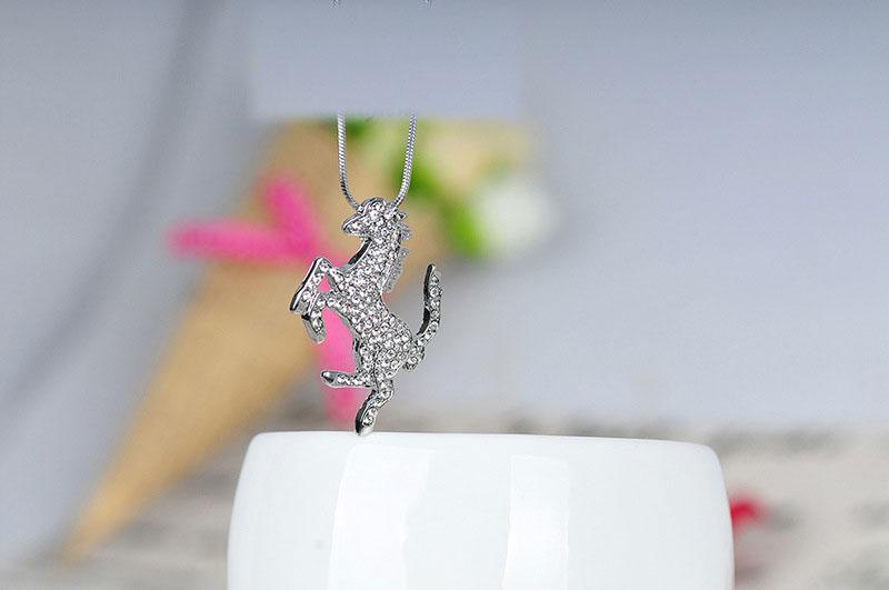 Austrian Crystal Pendant Necklace Stylish Horse Decorated Choker Pendant Necklace Charms Jewelry Gift For Women Shinning Color