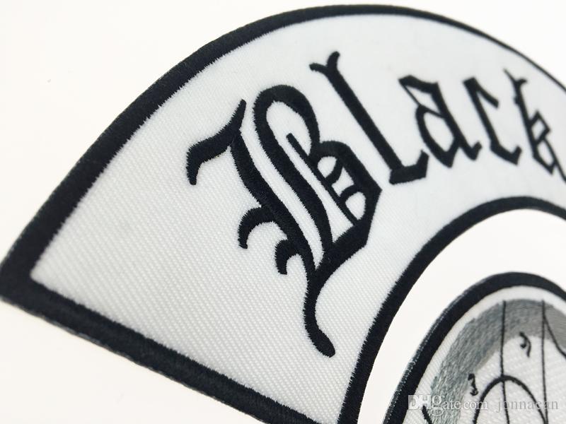 Comercio al por mayor Excelente 4 unid Volver Set Etiqueta Negro Sociedad Bordado Parche De Hierro Biker Chaqueta Jinete Chaleco Parche de Hierro En Cualquier Prenda Modelo G0220