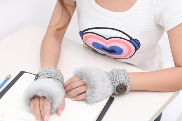 Button Handschuhe Frauen-Mädchen-gestrickte Faux-Kaninchen-Pelz-Handschuhe Winter-Wärmer im Freien Fäustlinge buntes Mode-Accessoires Weihnachtsgeschenk