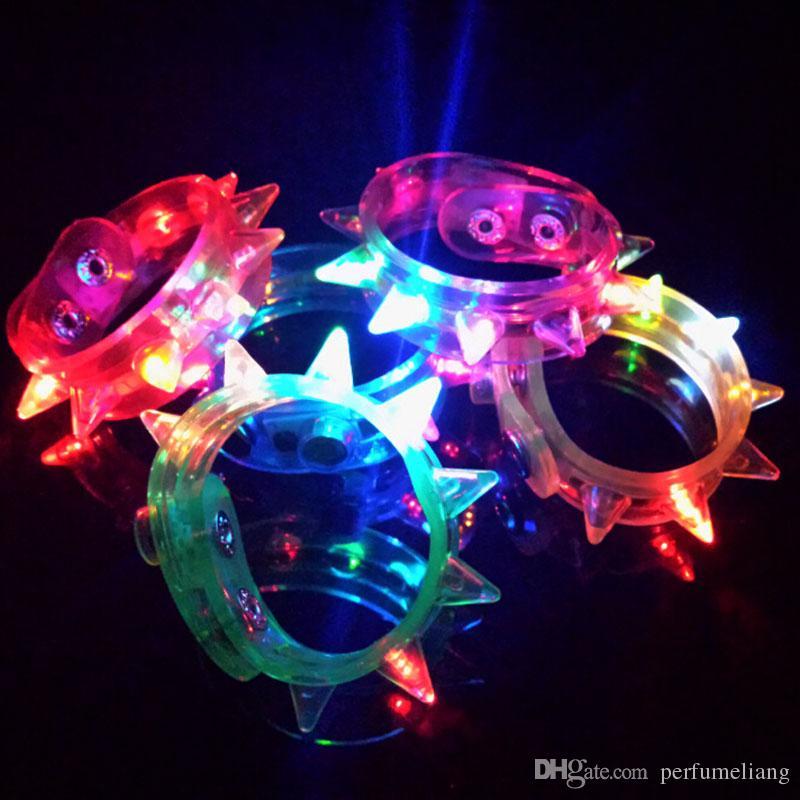 Multi colori Night Glow Stick lampeggiante Braccialetto di luce Sticks lampeggiante Spike Braccialetti Festival fai da te Led Party Kids Toy ZA3379