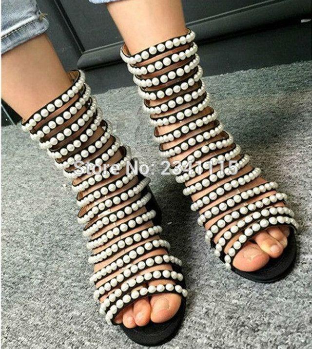 Sandales de luxe de concepteur de femmes à talons hauts découpées à bout ouvert chaussures d'été bottines flashion perles cloutées sandales de gladiateur