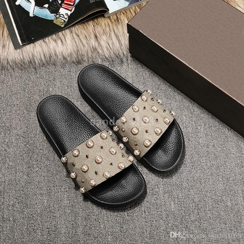 14f66c423 Summer Slippers Men And Women Word Drag Anti Skid Beach Sandals Flat Slippers  Fashion Beads Shoes Outside Dress Shoes Wedge Shoes From Sandals168