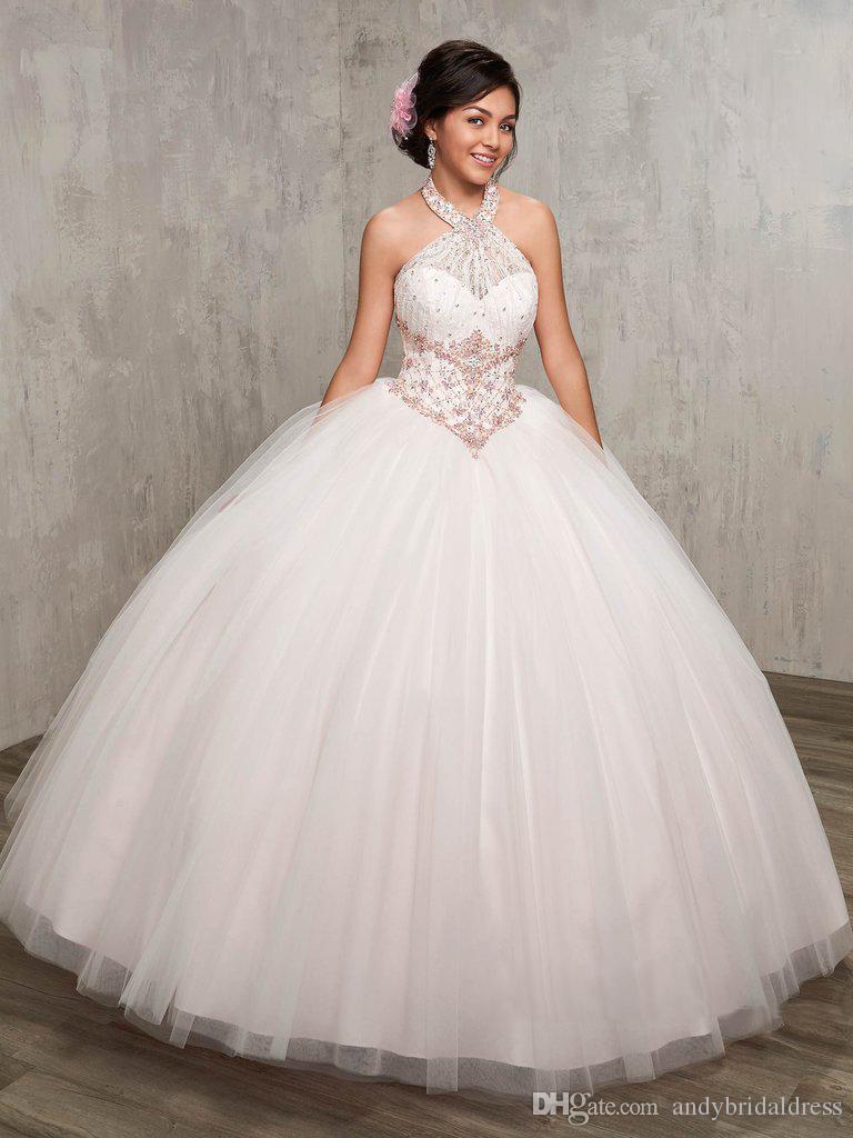 Ball Gown Halter Beaded Economici Abiti Quinceanera Bianco 2019 abiti da 15 anos abiti debuttante Lungo Tulle Prom Abiti Del Partito ADQ001