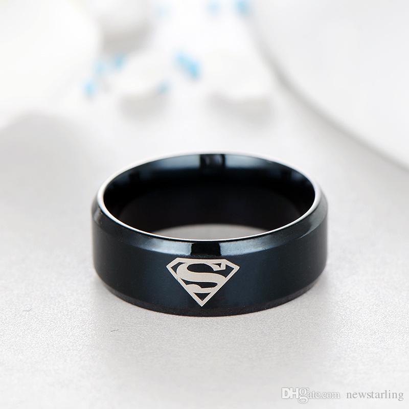 Moda Titanyum Paslanmaz Çelik Süper Kahraman Superman LOGO Çiftler Yüzükler Parmak Kuyruk Halkaları Thumb Yüzük Erkekler Kadınlar Için Punk Film Takı