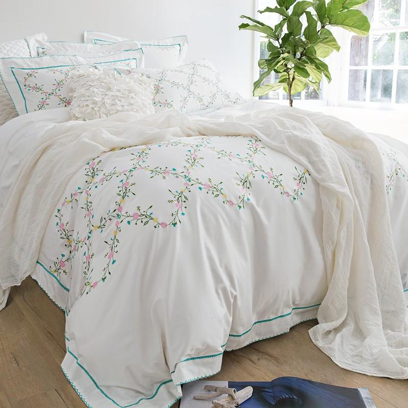 Wholesale White Embroidered Bedding Set 4/Queen King Size 100% Egypian  Cotton Floral Duvet Cover Set Bed Linen Bed Sheet Pillowcases Pink Duvet  Cover Super ...