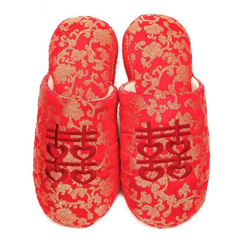 FAYUEKEY Nova Primavera Outono Inverno Casa Chinelos Chinelos de Algodão Acolchoado de Casamento Vermelho Mulheres Interior \ Piso Chinelos Quentes Sapatos Baixos