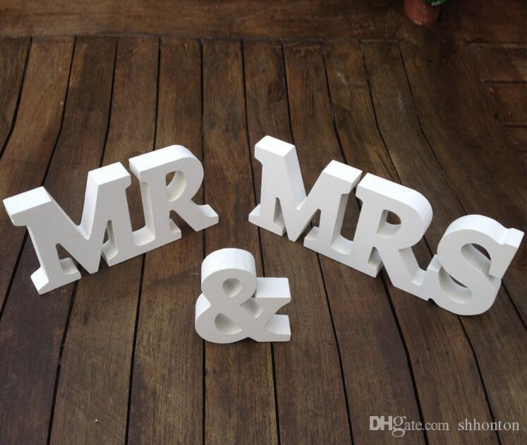 DIY decoration English letters Wooden MR & MRS wedding items Wooden furnishing articles in English letters Bridal capital WT041