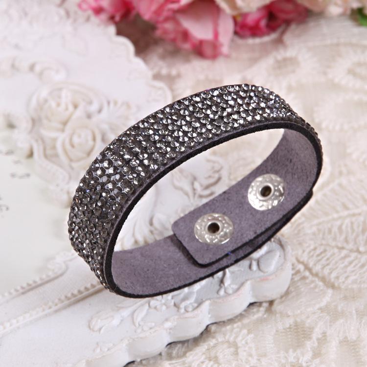 Braccialetto di cuoio a più strati di arrivo del nuovo di arrivo delle donne del regalo di Natale di modo Braccialetti di fascino lunghi fatti a mano dell'annata dei braccialetti