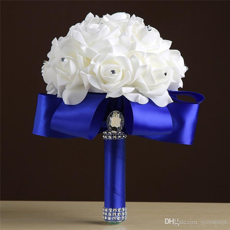fb6da64510 Acquista Royal Blue Purple Red Turquoise Rose Fiori Da Sposa Artificiali Bouquet  Da Sposa Buque De Noiva Sposa Damigelle Bouquet Da Sposa Nastro Di Seta A  ...