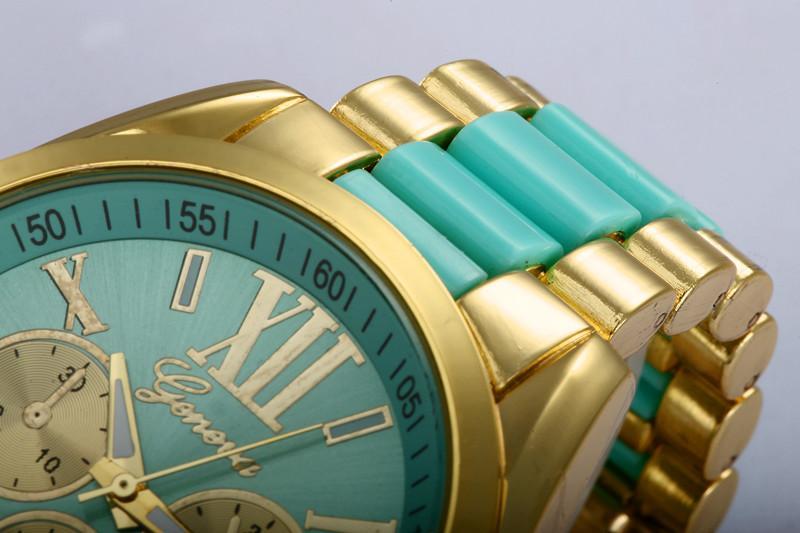 Roman Digital Dial Watch Gold Fashion Neutral New Ladies Watch Rétro Horloge Ladies Montre à Quartz