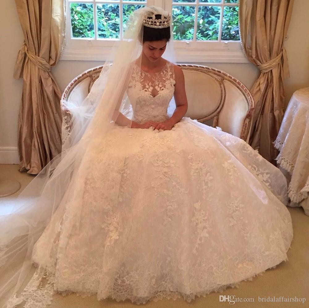2018 neue Modell schiere Scoop Lace Appliques Ballkleid Brautkleid lange ärmellose Taste Brautkleider