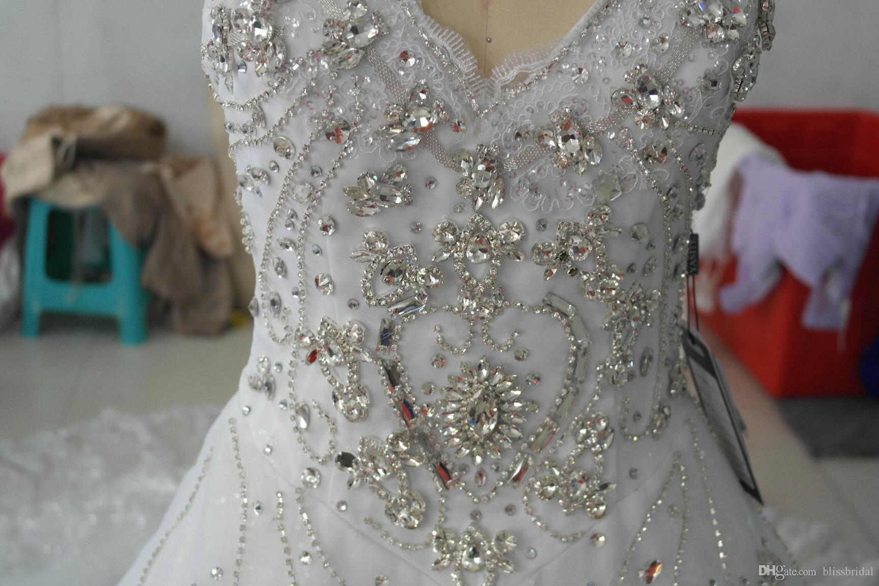 Hot Luxury V-Ausschnitt Ballkleid Lange Zug Seide Organza Spitze Applique Zuhair Murad 2017 Kirche Brautkleider Kristall Perlen Bling Brautkleider