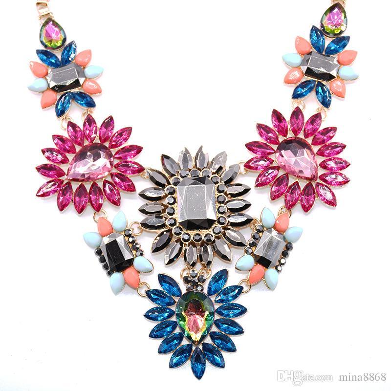 43e2d47c8401 Compre Accesorios De Lujo Brillo De Cristal Flor De Lágrima Bib Collar  Llamativo Para Joyería De Fiesta Colorido Floral Gargantilla Collar Collar  Femenino A ...