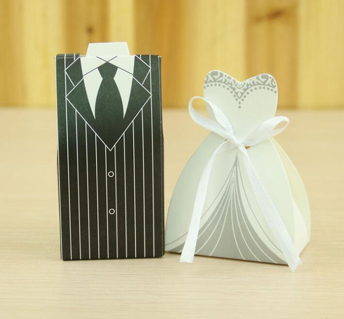 Vendita calda Sposa Groom Candy Box Wedding Dress Favor Holder Migliori scatole regalo di nozze Bianco nero abito da sposa Candy Bag