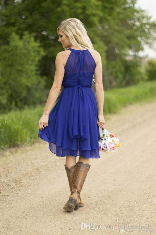 2019 Barato País Vestidos cortos de dama de honor Coral Sky Blue Vestidos de invitados de boda modestos Hasta la rodilla Vestido de damas de honor Maid of Honor Under 60
