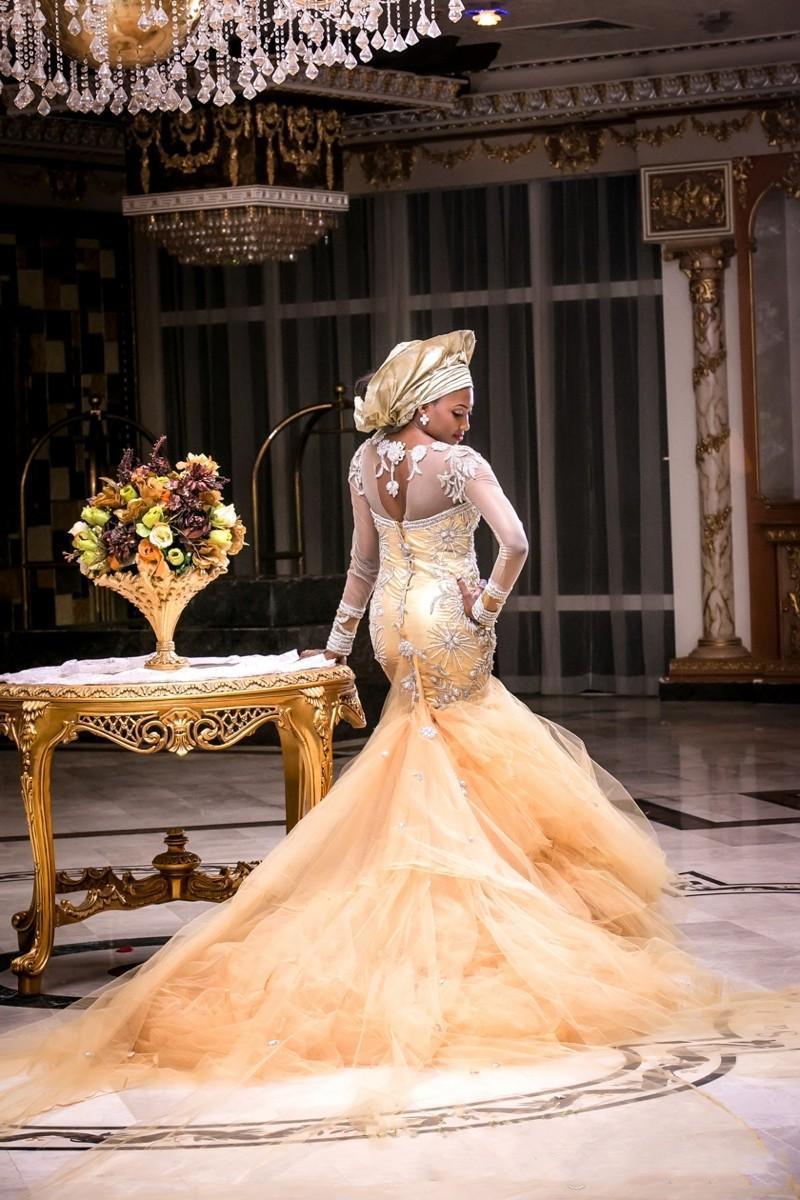 Saudi African Long Sleeves Brautkleider Kristall Perlen Sheer Neck Mermaid Brautkleider Tüll Long Train Vestidos Plus Size Brautkleid