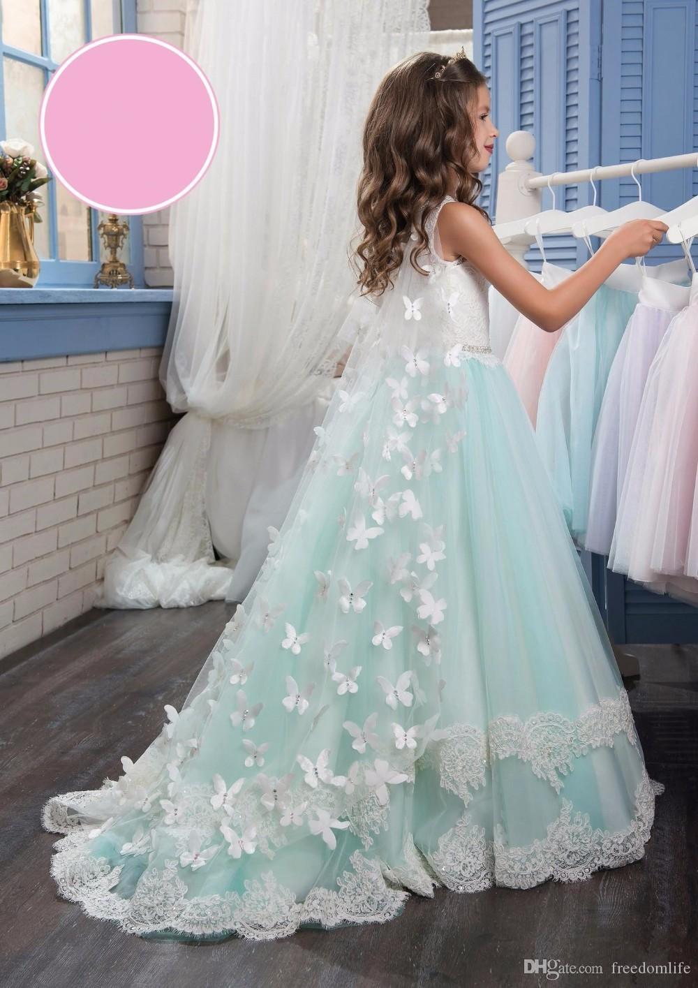 Einzigartige Blumenmädchenkleider Bow Butterfly Crew Perlen Spitze Appliques Elegant Günstige Mädchenkleider mit Wickel Heilige Kommunion Kleid